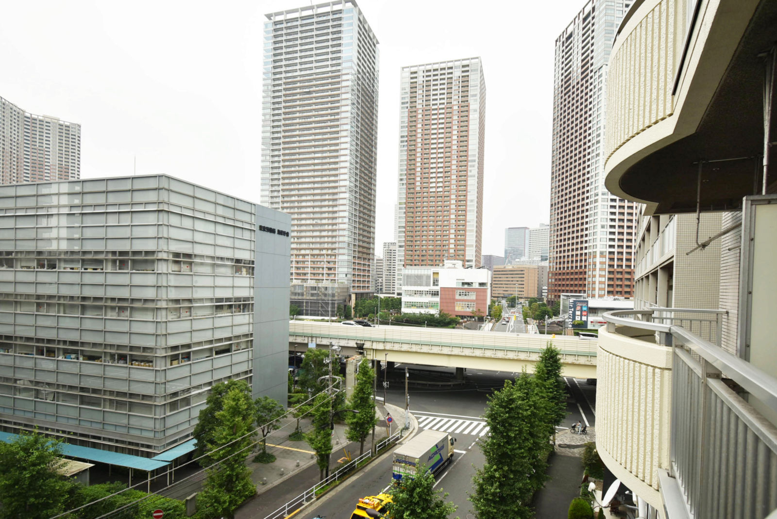 Village House Shibaura Tower Image